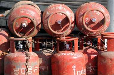 rich person cannot be availed subsidy cylinder