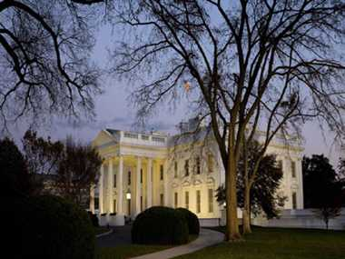 Woman with gun arrested near White House