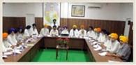 दमदमा साहिब के जत्थेदार पर गिरी एसजीपीसी की गाज