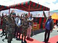 Parrikar meets troops at Siachen base camp