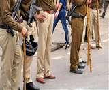 पुलिस थाने में घुसा सांप दहशत में आई पुलिस