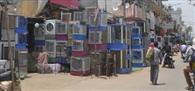 झाड़सा गांव के फुटपाथ पर दुकानदारों का कब्जा