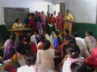 Anganbadi workers stopped the meeting