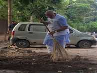pm modi is not satisfy from party leaders role in clean india campaign