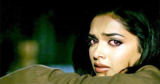 What left Deepika Padukone teary eyed
