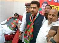 Celebrated birthday of Samajwadi Party chief Mulayam Singh Yadav