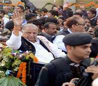 bugghy riding creats controversy in mulayam bday