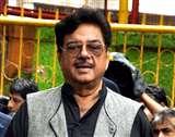 Padmavati row: पीएम मोदी, अमिताभ, शाहरुख़ और आमिर की चुप्पी पर शत्रुघ्न सिन्हा ने उठाया सवाल