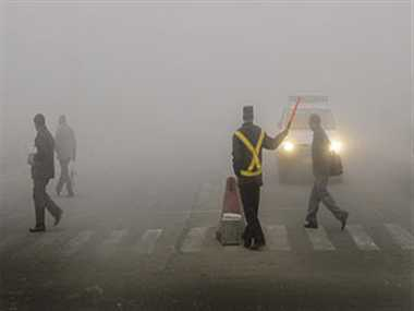 Severe cold and fog in north India