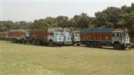 खनन स्थल से पकड़े गए 71 ट्रक सीज