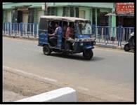 स्कूली वाहनों में धड़ल्ले से ओवरलोडिंग जारी