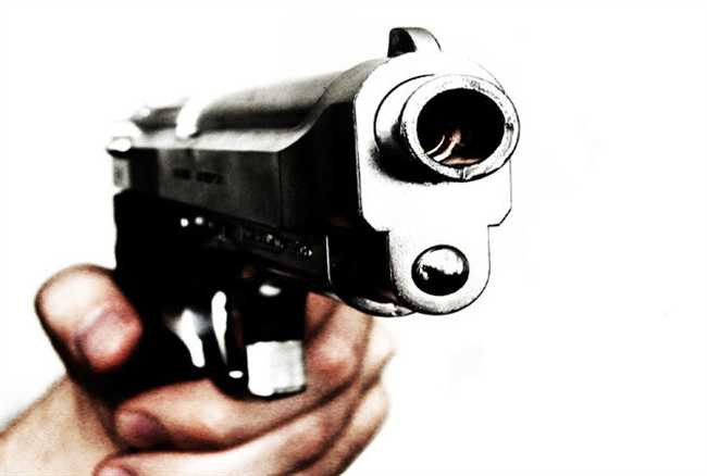 Security guard killed Rs 60 lakh looted from bank van