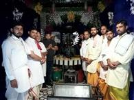 रघुनाथ मंदिर में निरंतर तेल धारा जारी
