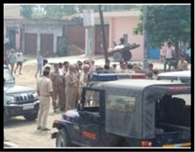 सैफपुर में मीरापुर पुलिस को पीटा, वर्दी फाड़ी