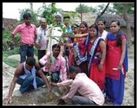 पर्यावरण संरक्षण के लिए युवाओं ने किया पौधरोपण
