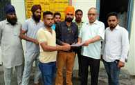 Sitarganj 's boy dinesh arrested in maleshiya, parents want help