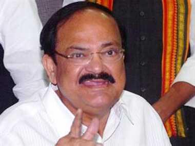 Venkaiah targets Sonia over false dreams remark