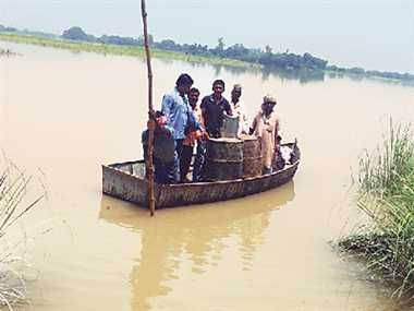 condition in uttar pradesh is not well due to flood