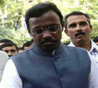 Education Minister Vinod Tawde's father dies in Mumbai