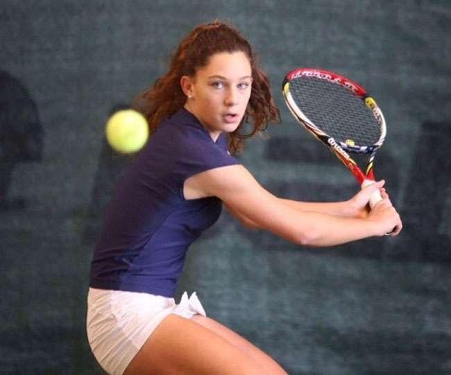 Italian junior player Maria Vittoria Viviani in tears after controversial disqualification from Australian Open Junior