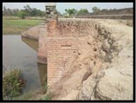 पुल की हालत देख सिहर उठते हैं राहगीर