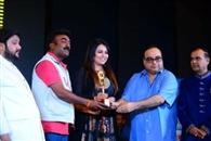 फिल्म समीक्षा लेखक डॉ. आर्य को मुंबई में मिला सम्मान
