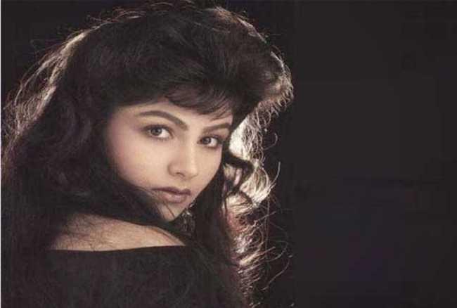 Bollywood actress Ayesha Jhulka then and now