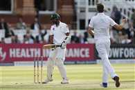 Woakes wrap up Pakistan in Manchester