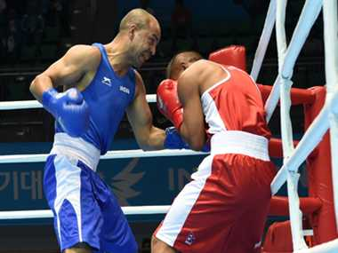 Akhil Kumar in boxing pre quarters while Shiva also cruises ahead