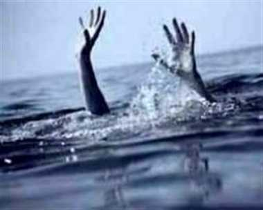 student dead body found in ganga river
