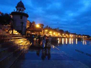 Ram Ghat woke up bright lights in Chitrakoot