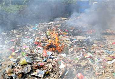 Garbage is not picked up, turned into fire