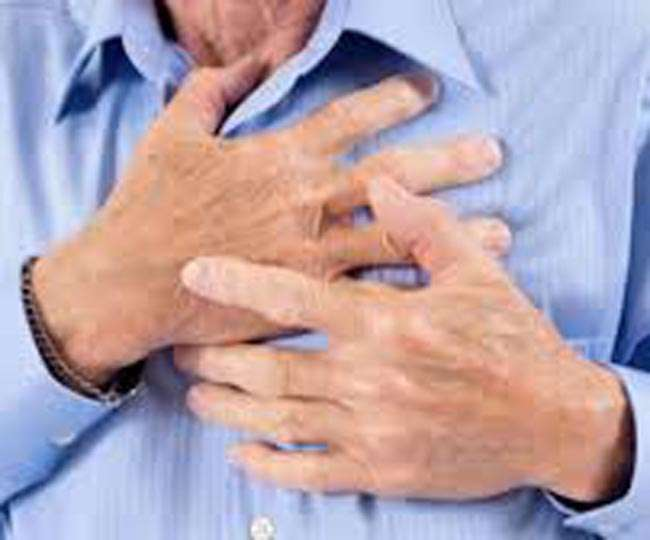 Feeling pain in chest after dinner then be aware as it may be heart attack