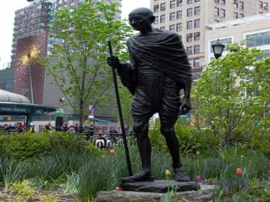 uk government has no money to have gandhi statue
