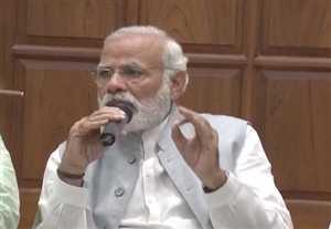 गुजरात-राजस्थान के सांसदों से नाश्ते पर मिले PM मोदी