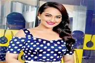 Sonakshi went for coffee with Karan at Dharma Productions office
