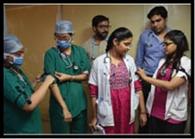 पट्टी बांध रेजिडेंटों ने महाराष्ट्र की घटना का जताया विरोध