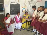 कस्तूरबा विद्यालय में छात्राओं की हुई स्वास्थ्य जांच