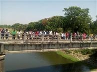 युवक ने सरयू नदी में छलांग लगाकर दी जान