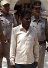 एक अभियुक्त सहित पुलिस ने पांच वारंटी पकड़े
