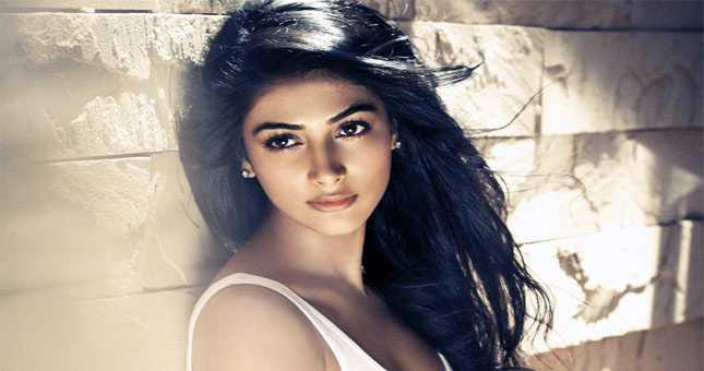 Pooja Hegde finishes 101 days of Mohenjo Daro shoot