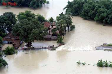 Nepal temporary dam collapsed, increased risk