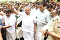pinarayi vijayan will take oath as a new chief minister of kerala today