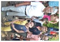 दुर्घटना में दादा और पोते बाल-बाल बचे