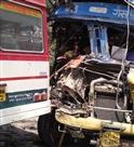 रोडवेज बस व ट्रक में भिड़ंत, चालक घायल
