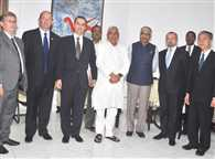 Brics delegates meetss cm nitish and informs about opening of banks soon
