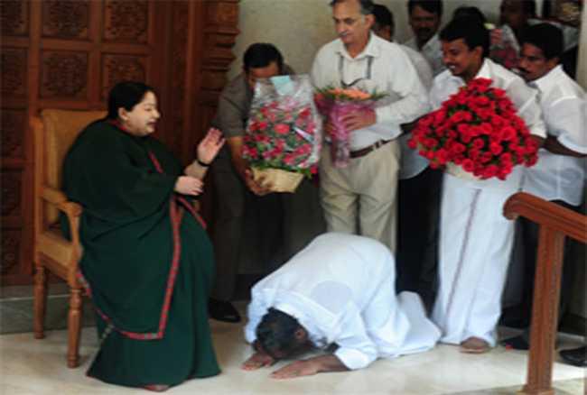 jayalalithaa ,Tamilnadu ,AIDMK ,Tamilnadu assembly ,Jagran news,जयललिता,नाम,छिड़ी,बहस,सदन,बहिष्कार