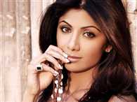 Shilpa shetty adopts a cute white kitten