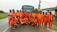 40 कावरियों का दल वाराणसी रवाना
