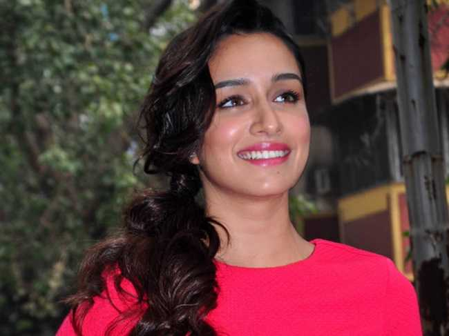shraddha kapoor finds time to clean her room